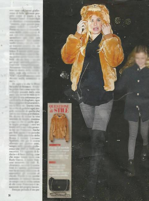 Ilary Blasi incinta, cena col pancione con Totti e i figli Cristian e Chanel