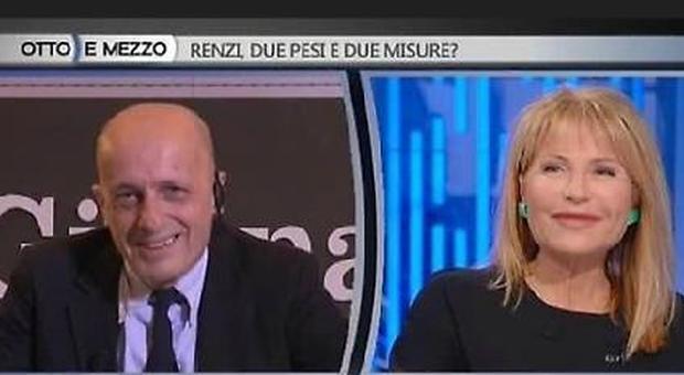"""Sallusti e la domanda 'indiscreta' della Gruber: """"Con la Santanchè amore finito?"""" Lui reagisce così"""